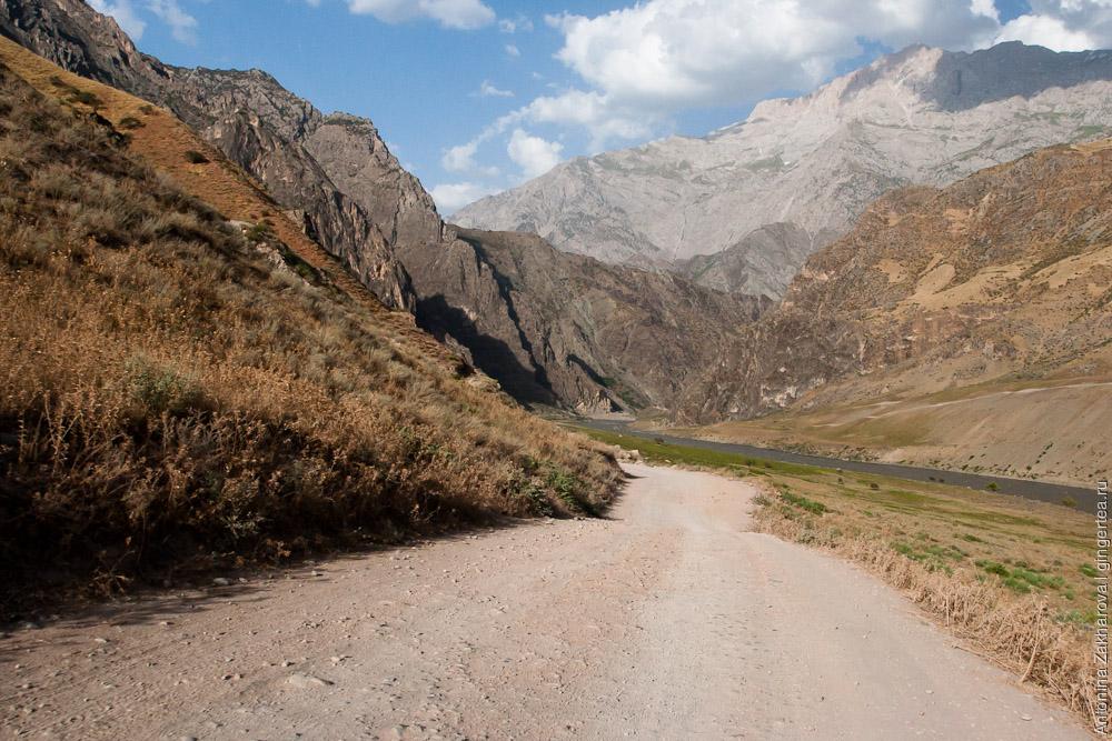 дорога в Таджикистане, road in Tajikistan
