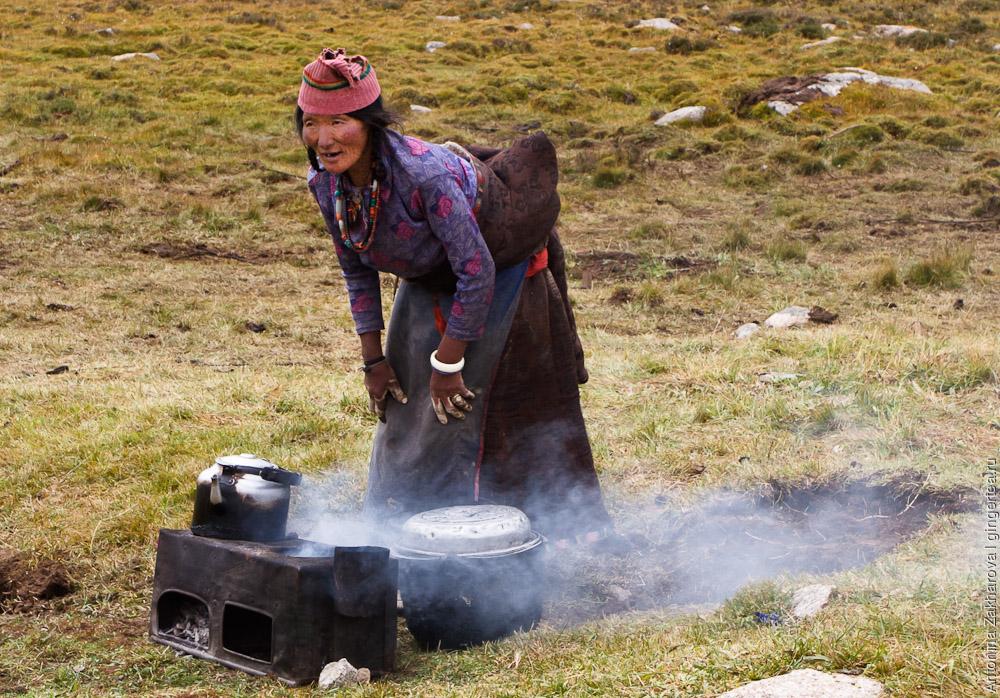 Изредка тибетцы делают чай на улице