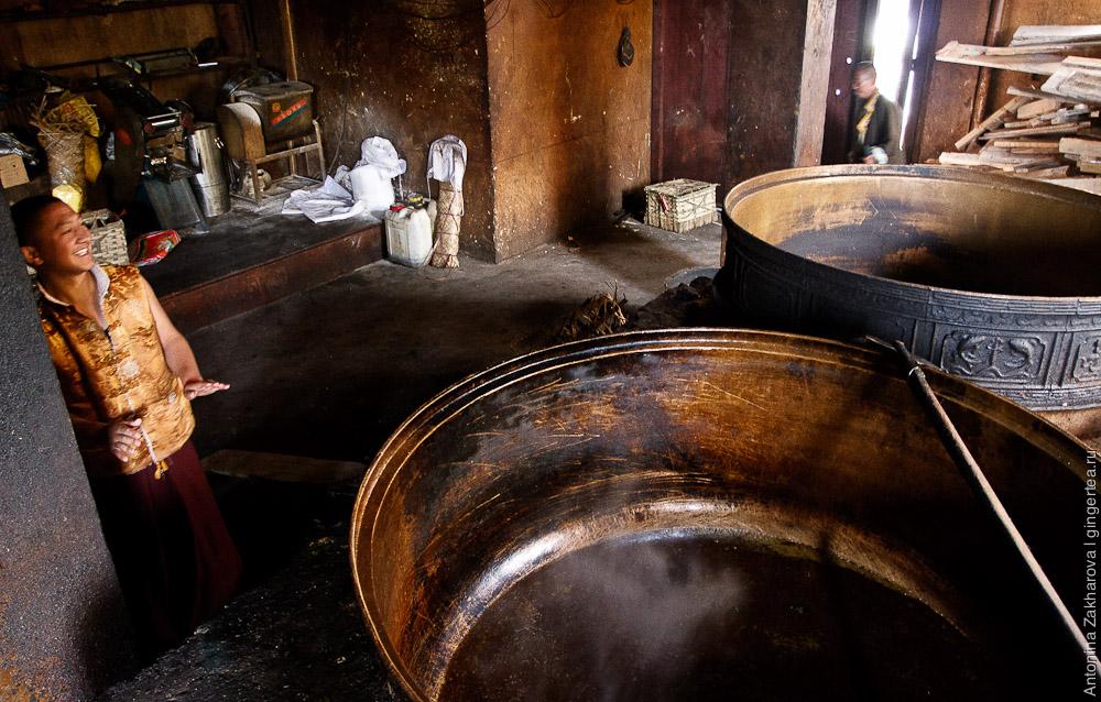 кухня в тибетском монастыре