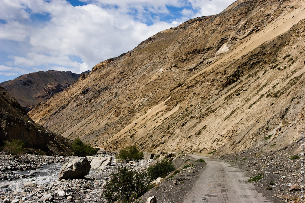 Спити, дорога к селу Гью, Химачал-Прадеш, Индия, Spiti, road to Gyu village, Himachal-Pradesh, India