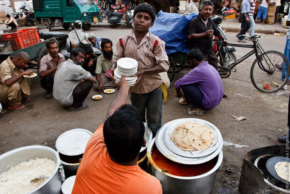 уличная еда в Индии, тали, рис и чапати, street food in India