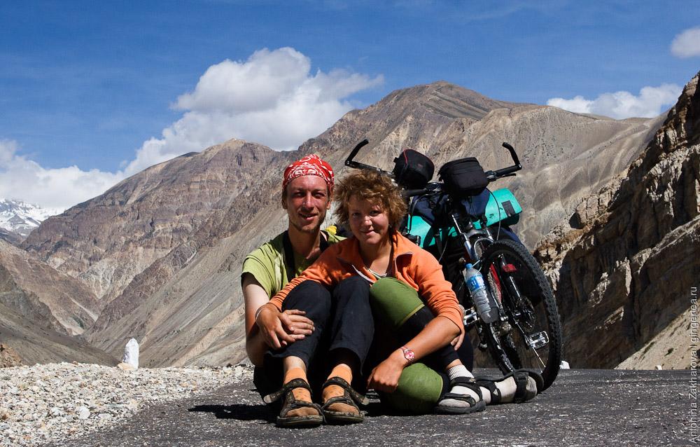 российские велосипедисты Павел Борисов и Антонина Захарова в Индии