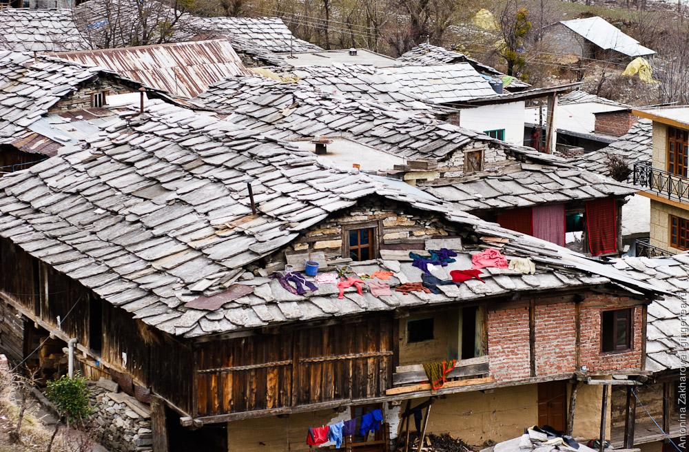 деревня в долине Куллу недалеко от Манали