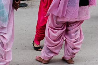 Сальвар-камиз: индийская жизнь мусульманской одежды