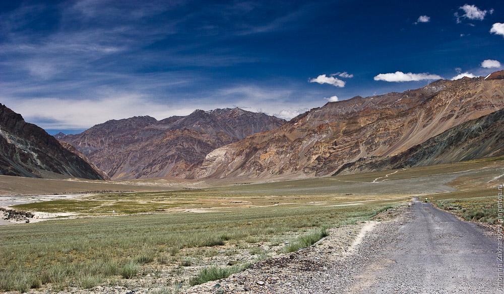 Будущая дорога по реке Занскар в конечном итоге соединит Манали и Лех через один перевал, вместо пяти сейчас