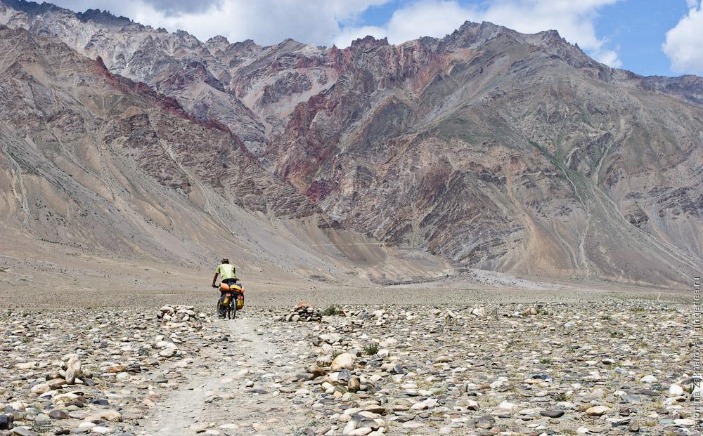 Песчаная дорога по левому берегу Занскара, Индия