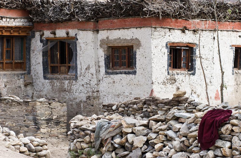 тибетская архитектура в деревне Сани, Занскар, Индия