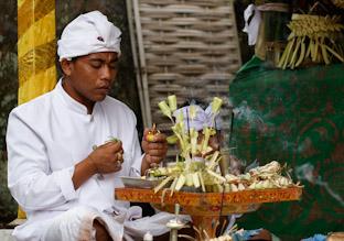 Церемония Одалан - отмечаем день рождения храма