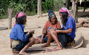 Как мы лечили местных жителей в Лаосе