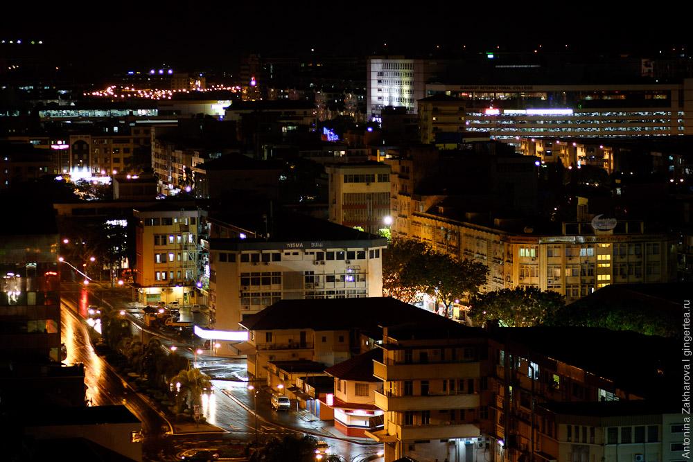 Кота-Кинабалу ночью