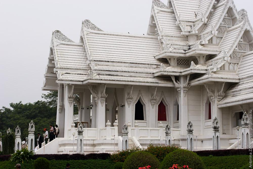 Лумбини   туманное место рождения Будды