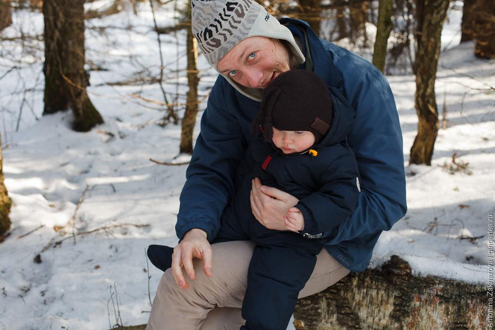 ребенок в лыжном походе