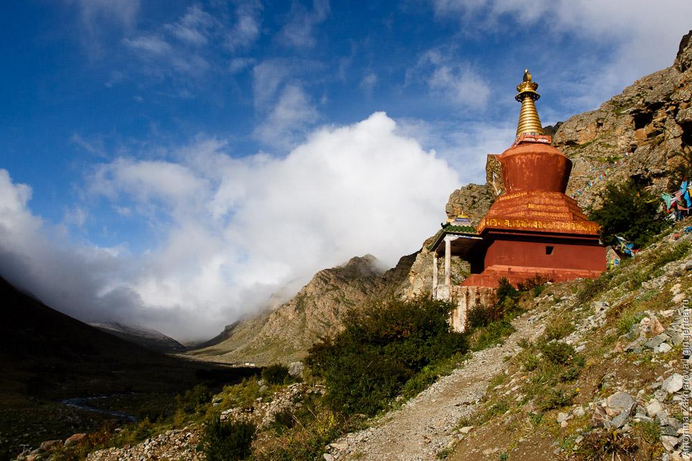 наверняка монастыри тибета фото был частично срыт