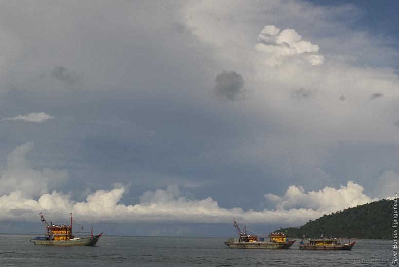корабли на пристане