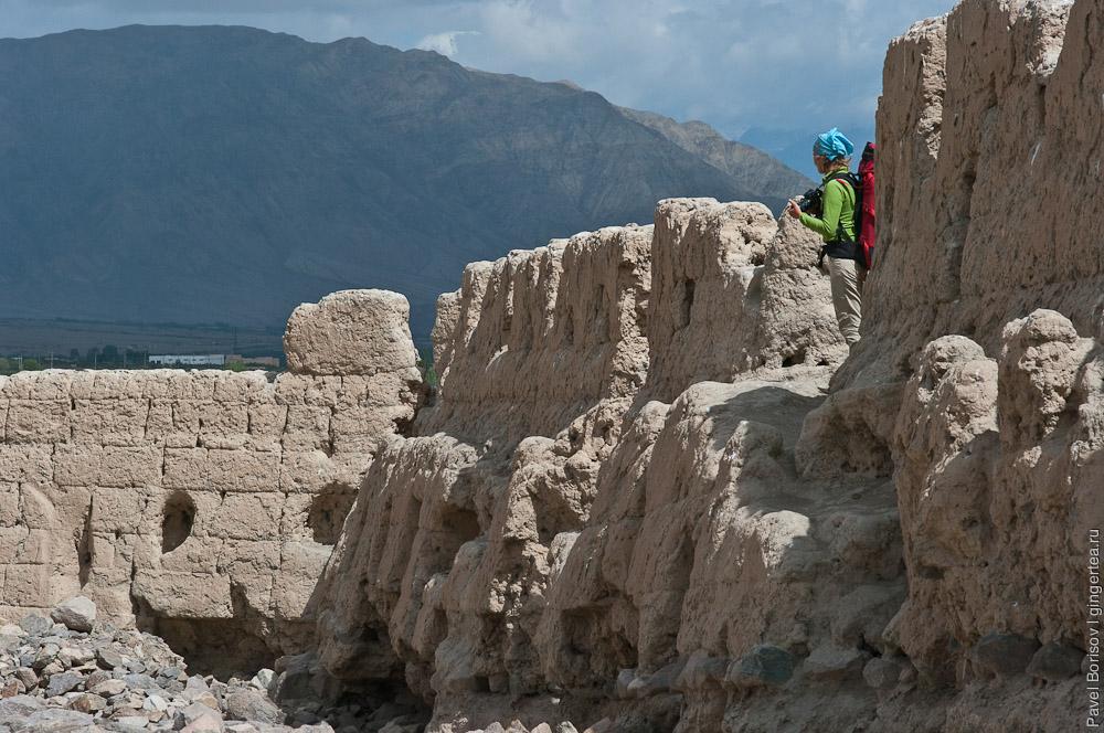 По Каракорумскому шоссе. Конгур Музтаг и засыпанные песком горы