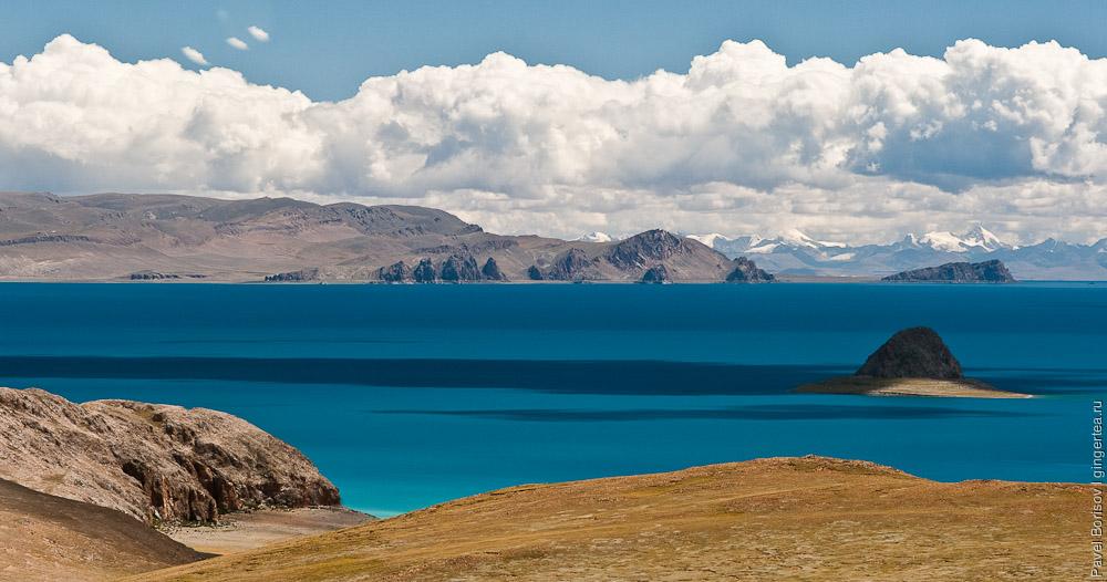 высокогорное озеро Намцо в Центральном Тибете