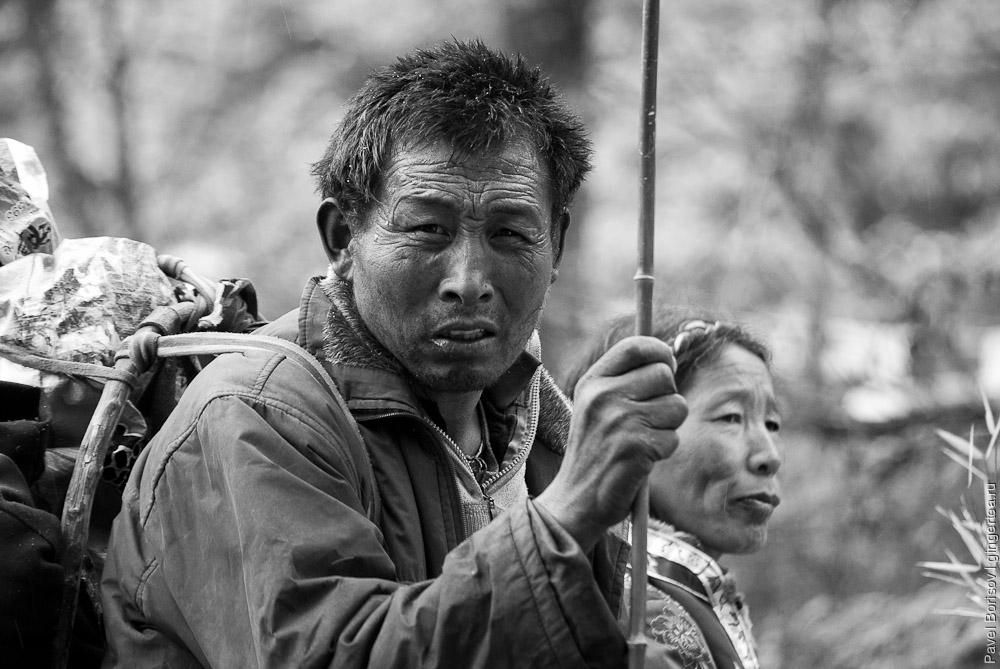 Тибетец-паломник. Салуин. Юньнань. Китай