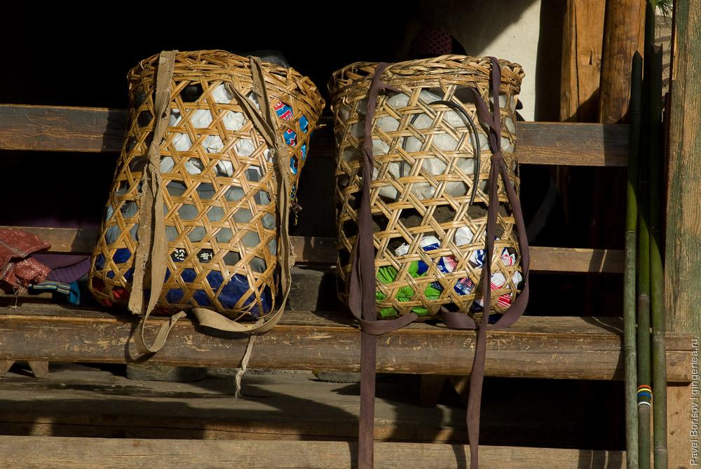Корзины-рюкзаки. Салуин. Юньнань. Китай