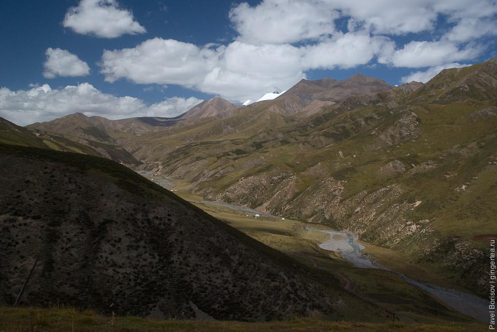 долина в районе Амнэ-Мачин, valley in Amney Machen area