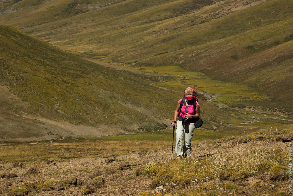 подъем на перевал Три Седла