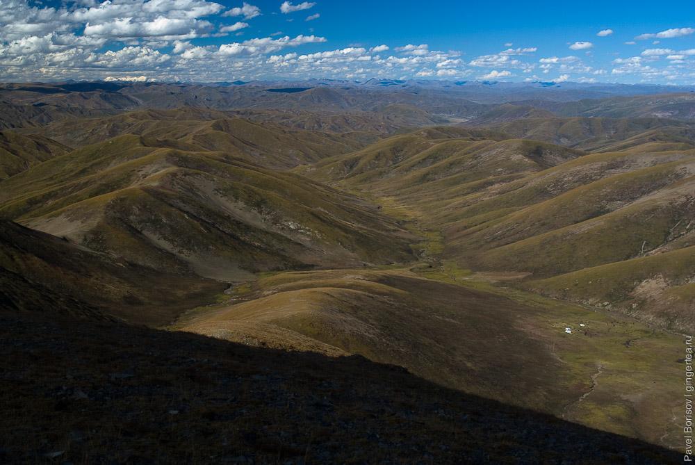 Вид с перевала Три Седла на север