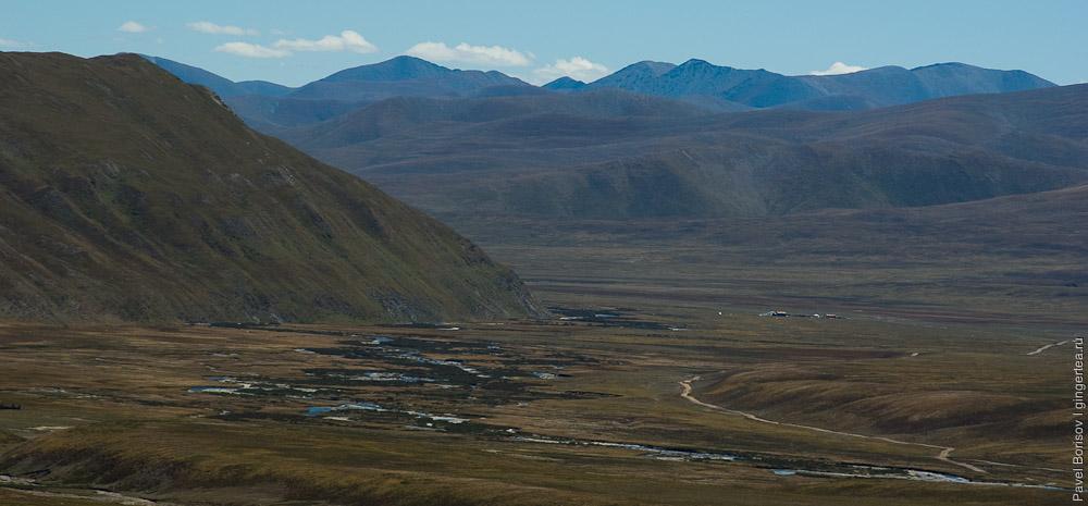 Дорога в низовья реки Хахалунхэ с перевала Сусликовая Поляна