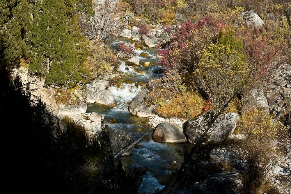 осенние листья в Розовой долине у горы Гьеньен, Сычуань