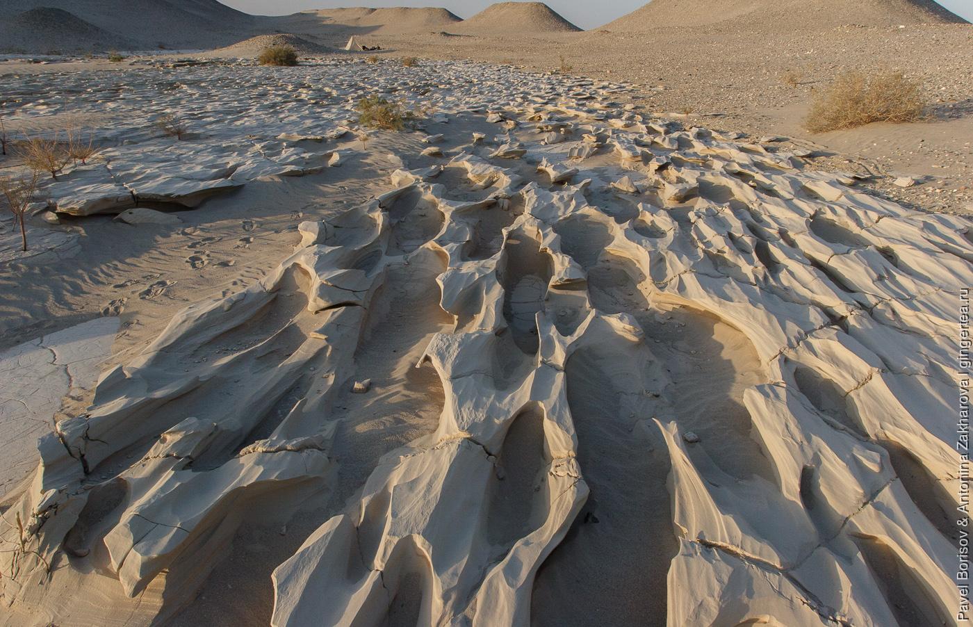 ветровая эрозия в пустыне Такла-Макан