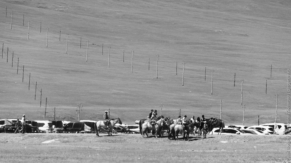 катание на лошадях в Баян-Булаке, Китай