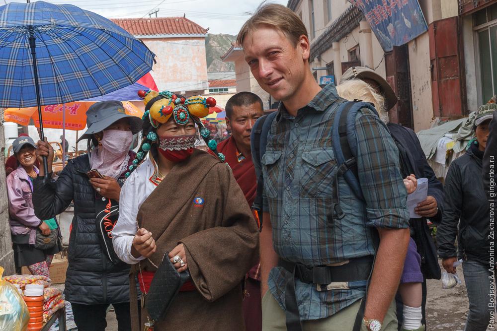 массивные тибетские украшения из камней