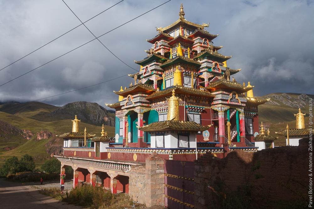 монастыри тибета фото внутренних