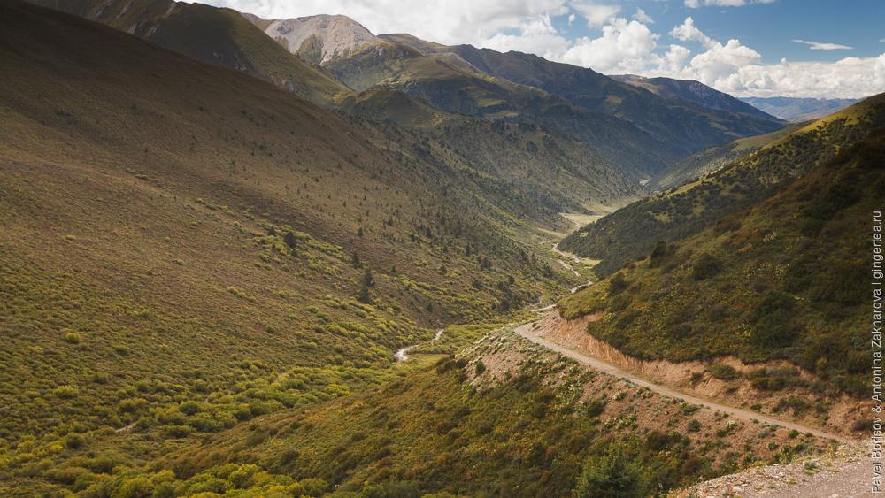 Горная дорога в Сычуани, Китай