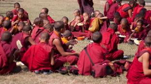 Как живут монахи в Бодхгае