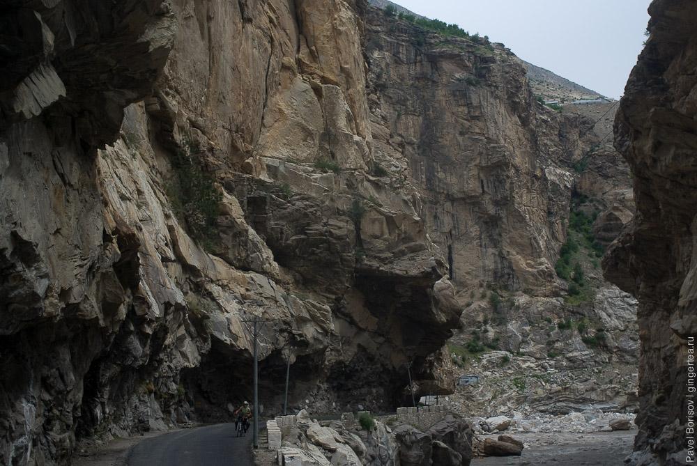 дорога из Реконг Пео в Казу, road from Rekong Peo to Kaza