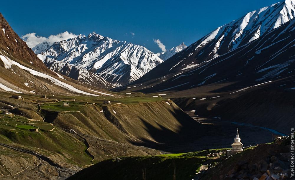 горы и деревня в долине Пин, велопоход, mountains in Pin valley