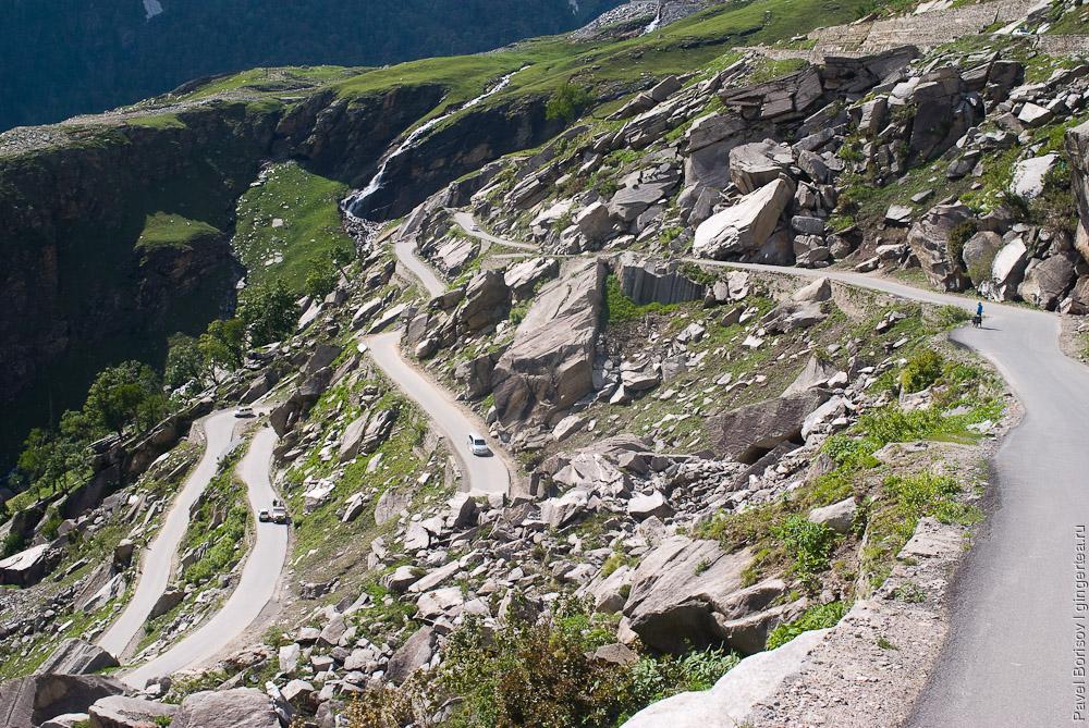 дорога с перевала Ротанг в Манали, road from Rohtang pass to Manali