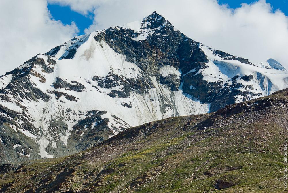 безымянный перевал в Главном Гималайском хребте к востоку от Шинго-Ла