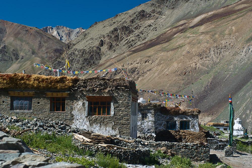 Дома в Занскаре с большими окнами