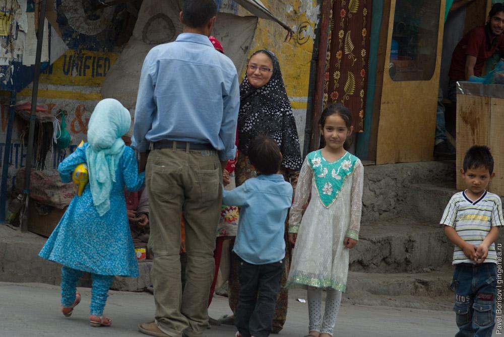 мусульманские девочки фотографируются