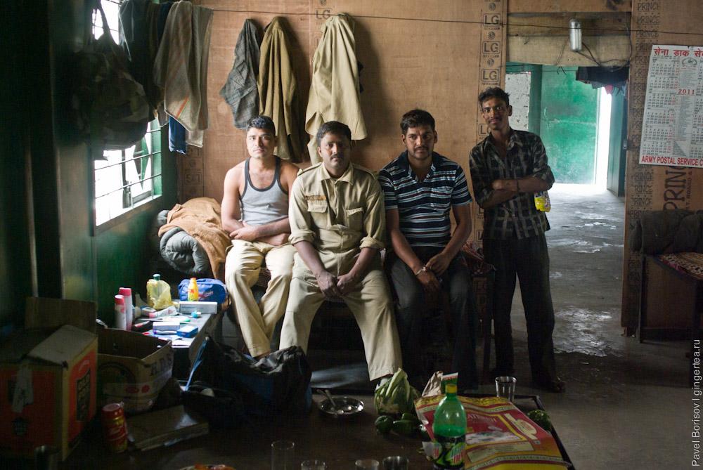 внутри базы BRO — организации приграничных дорог в Индии