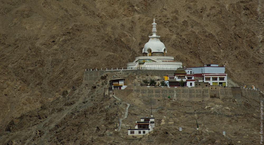 Шанти-ступа в Лехе, пагода Мира