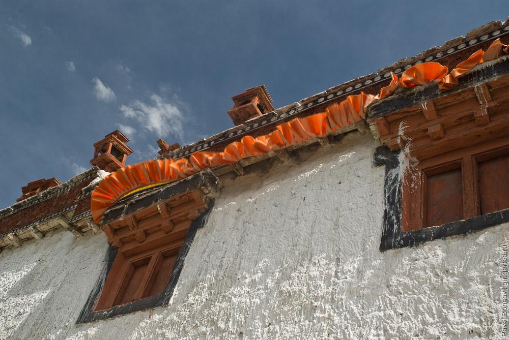 буддийский монастырь в долине Нубры в Ладакхе