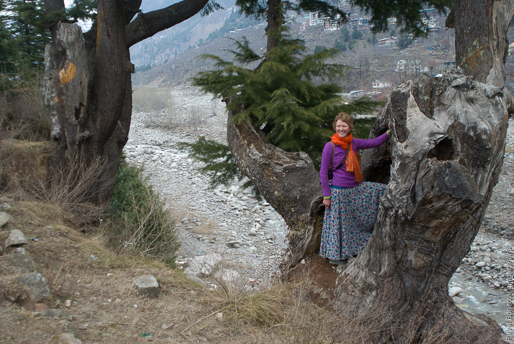 Антонина Захарова в долине Куллу
