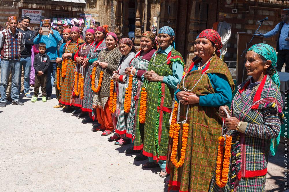 патту — традиционная одежда Химачал-Прадеша, Индия