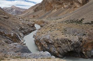 «Детский» поход в Ладакх и Индийские Гималаи. Часть 1: Опасная река