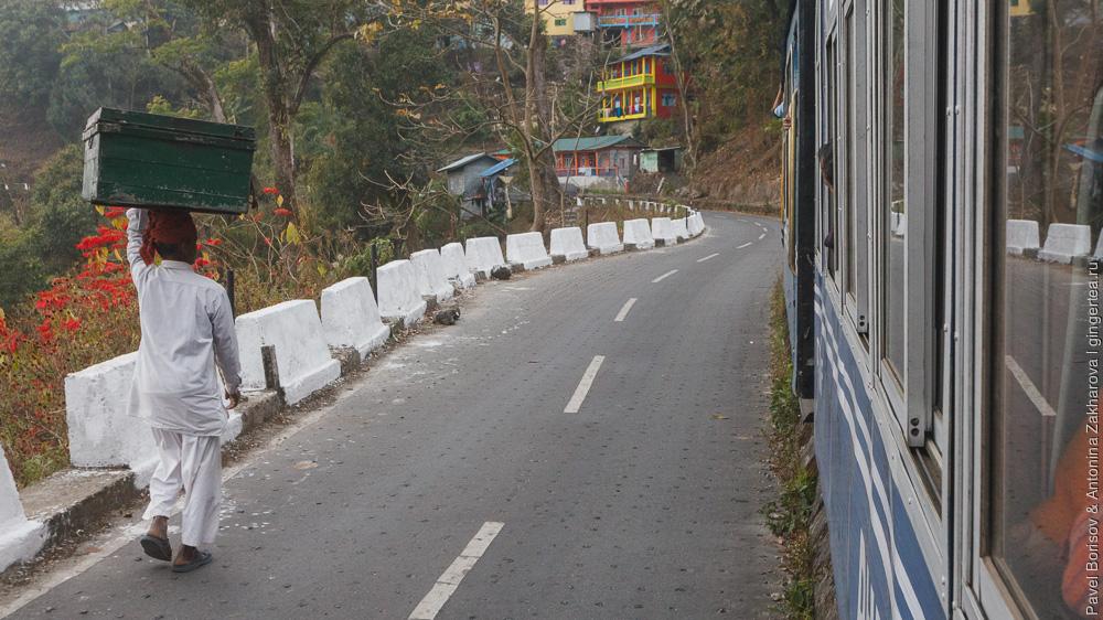 путь около станции Рангтонг Дарджилингская Гималайская железная дорога