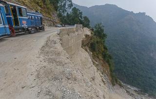 Как наш поезд сошел с рельсов: по Дарджилингской Гималайской железной дороге