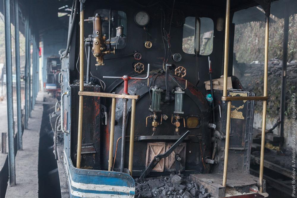 Паровоз DHR class B, панель управления, Дарджилингская Гималайская железная дорога