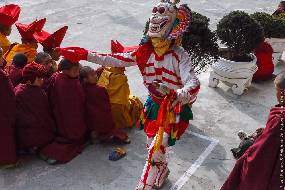 танец скелетов в монастыре Друк Санганг Чолинг