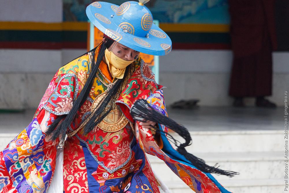 танец лам в монастыре Друк Санганг Чолинг